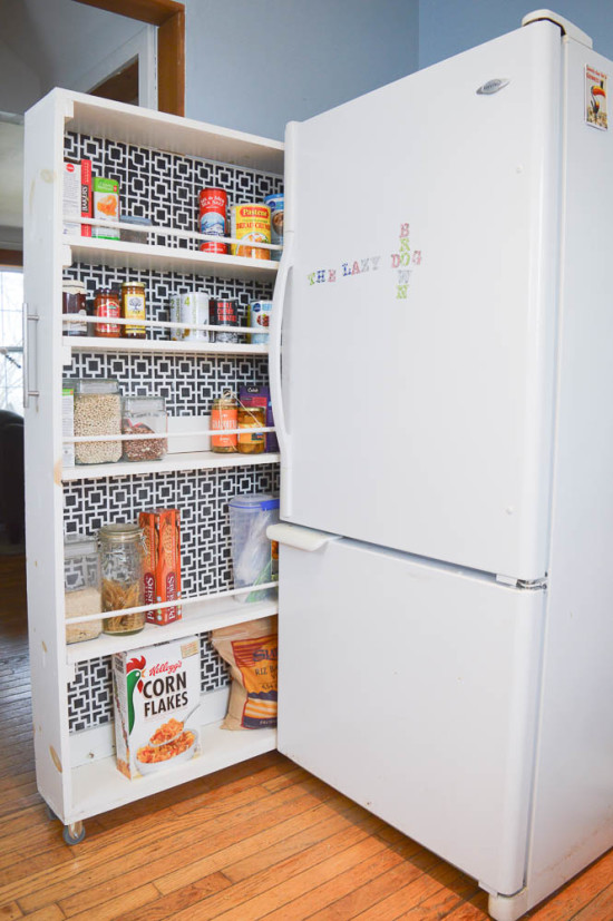 DIY Rolling Pantry | DIY Passion, diy pull out pantry