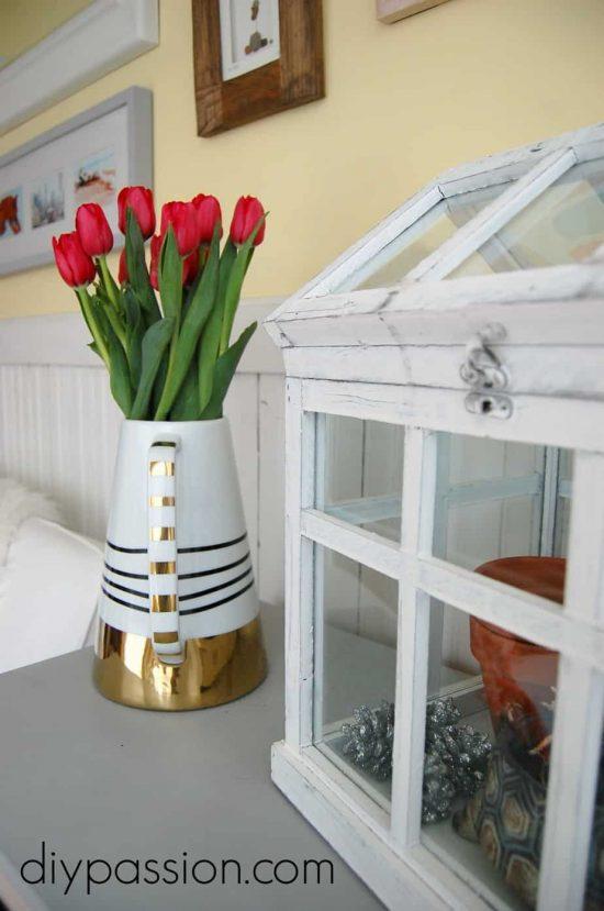 A Spring Sunroom via diypassion.com