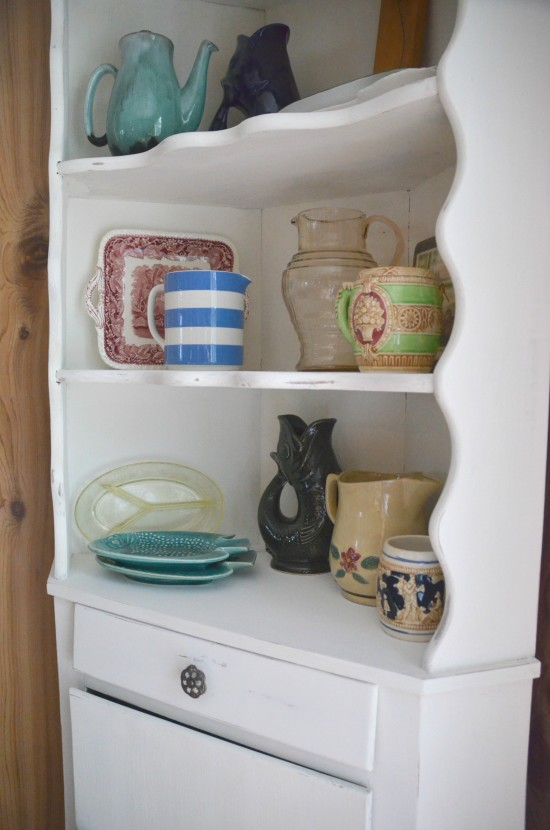 How to use leftover paint Chippy Cabinet Shelves