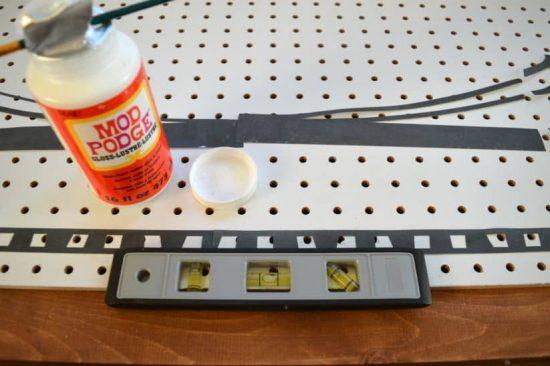 Peg Board Bridge Silhouette Level