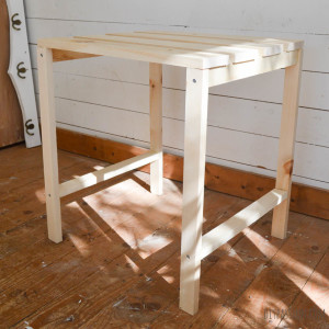 Simple DIY Wooden table