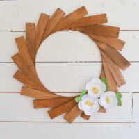 How to Make a Wood Shim Wreath with Paper Flowers