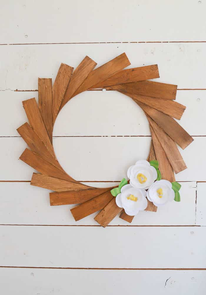 How To Make A Wood Shim Wreath With Paper Flowers Diy