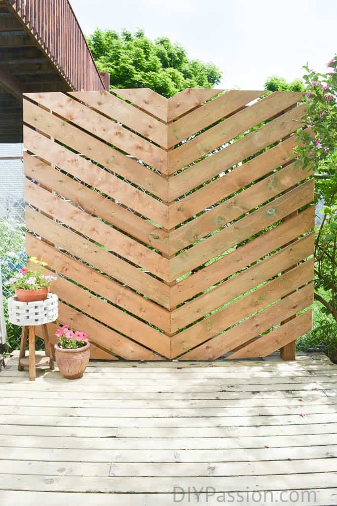 Easy Pool Deck W Privacy Screen: How To Build A Simple Chevron Outdoor Privacy Wall