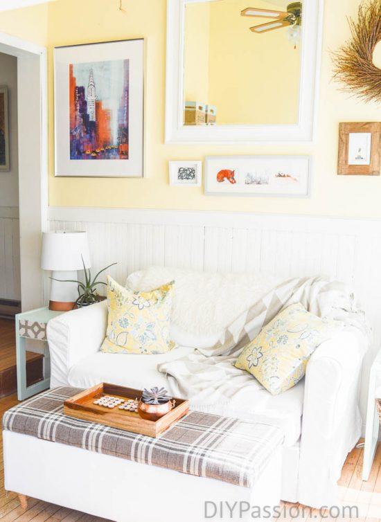 home-tour-sunroom-gallery-wall-diypassion-com
