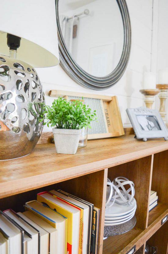 mix-metals-and-wood-how-to-style-a-rustic-bookcase