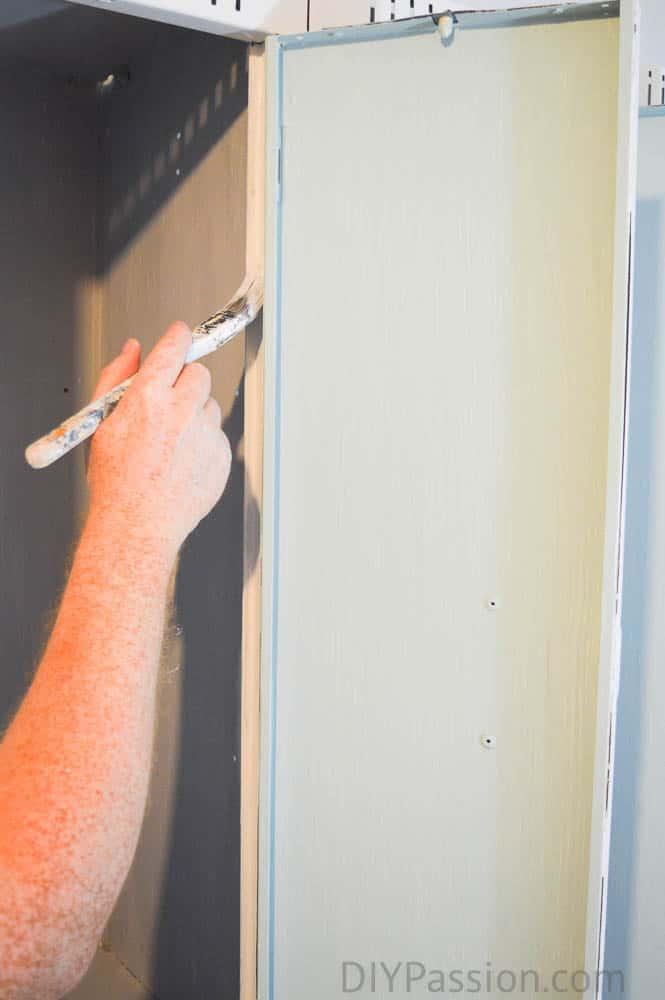 paint dresser diy, how to chalk paint a dresser