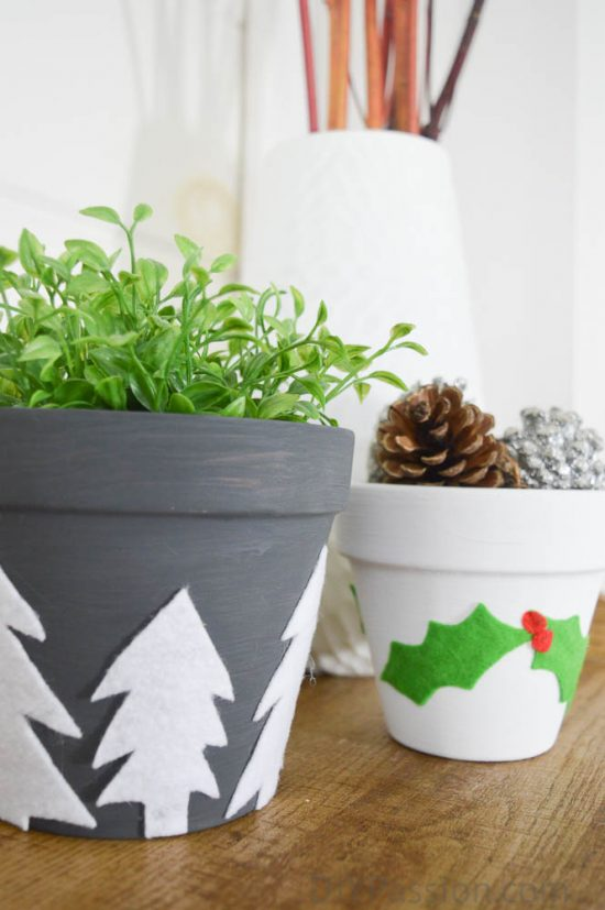 cute-diy-craft-idea-how-to-decorate-holiday-planters-with-felt