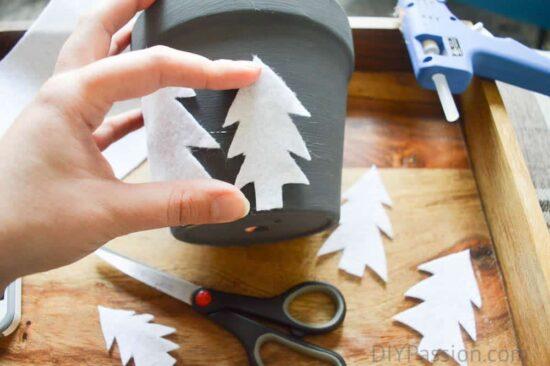 how-to-glue-felt-onto-holiday-planters