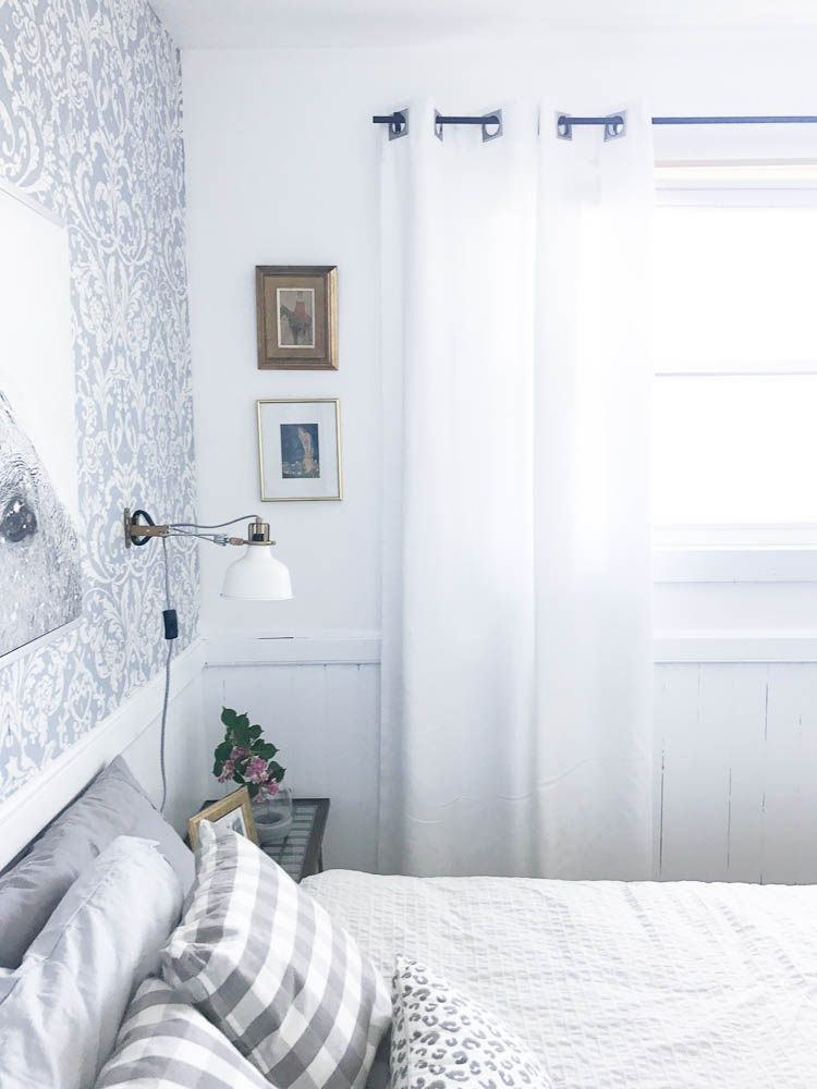 How to maximize style and function in a small bedroom Maximize a small bedroom