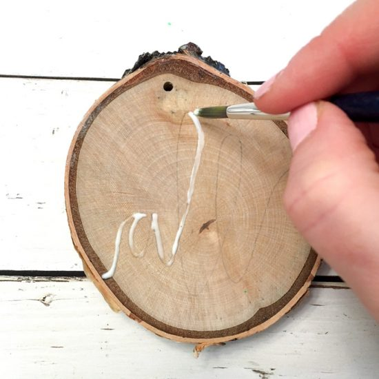 How to add glitter to wood slices