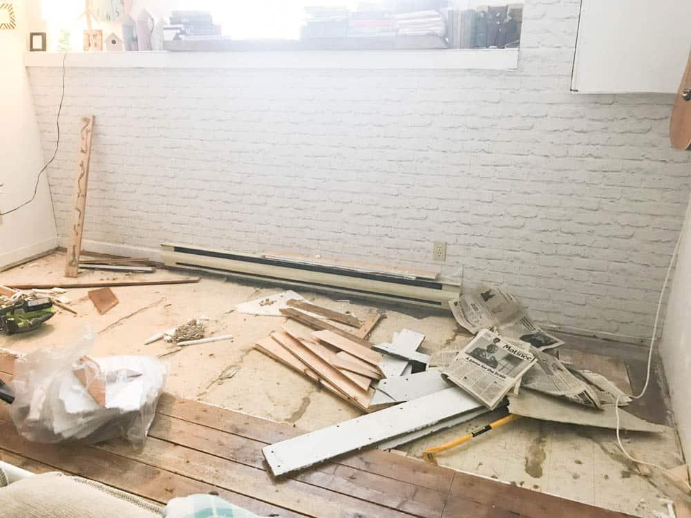 How to Lay DIY Vinyl Flooring