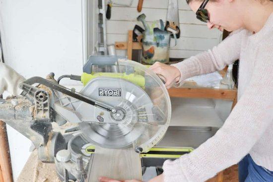 How to cut vinyl composite flooring