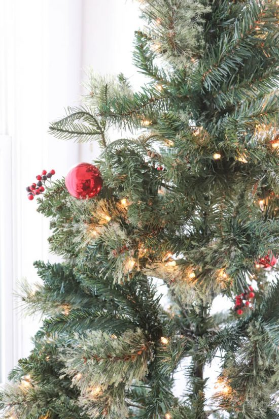 How to Make a Fake Christmas Tree Look Real - DIY Passion