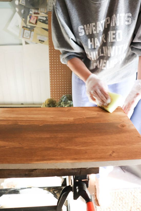 How easy is Saman Wood Stain to use and apply?