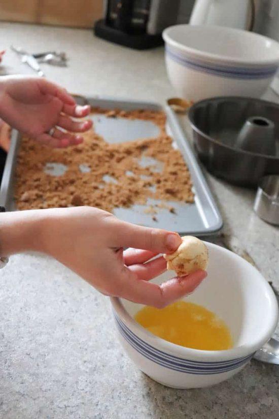 Make Easy Monkey Bread With Pre Made Pillsbury Dough Diy