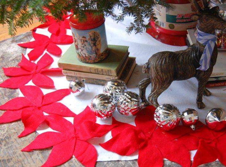 DIY No Sew Christmas Tree Skirt   HOLIDAY CRAFT