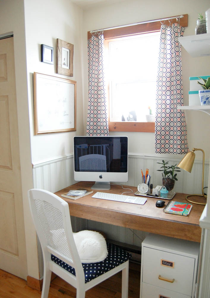 Make Your Own Built In Floating Desk Space Saving