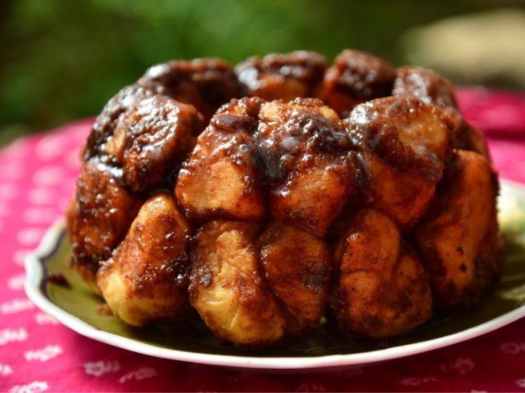 Monkey bread cake